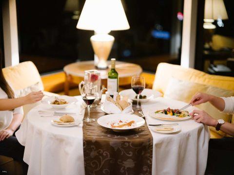 港麗酒店維港美食住宿連自助早餐及4道菜晚餐住宿體驗優惠|香港港麗酒店 Conrad Hong Kong